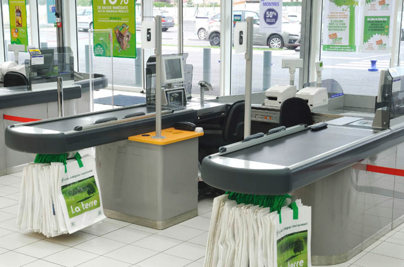 Our cover profiles for the shopfitting industry are both functional and esthetically pleasing.