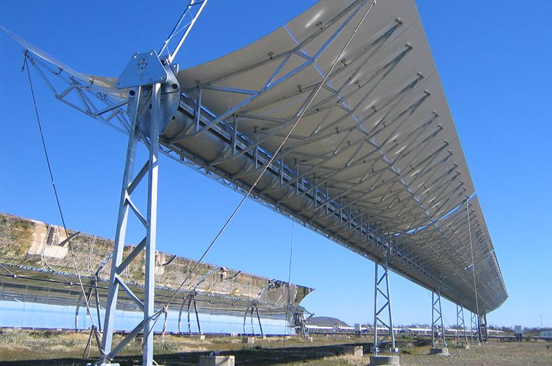 Bärande profiler för solkraftverk (CSP Concentrated Solar Power) måste klara höga bärlaster och vara kostnadseffektiva.