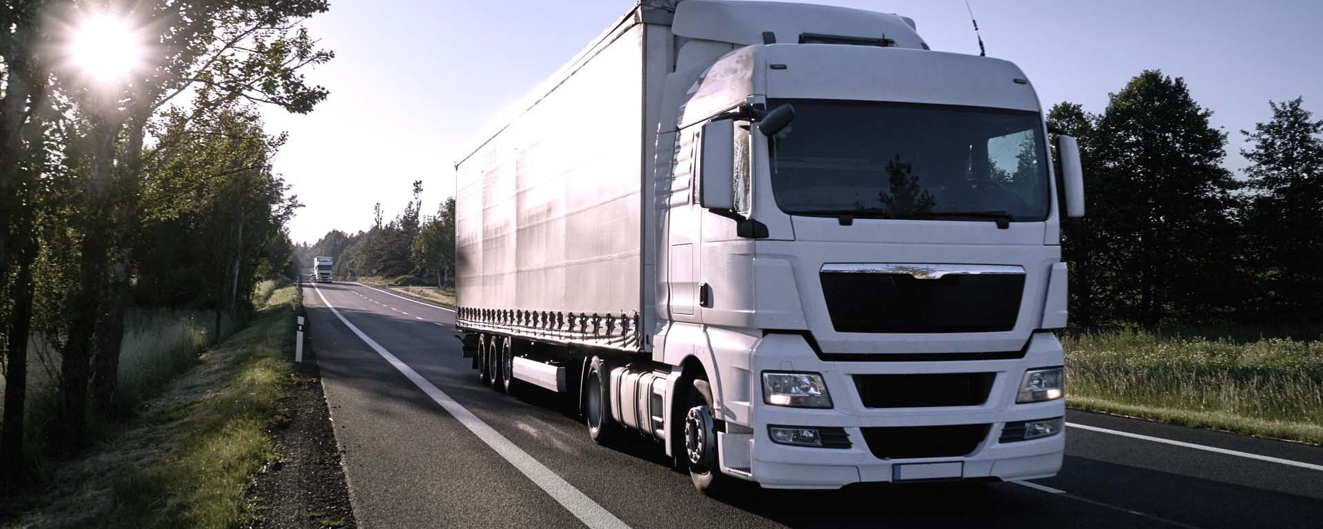 Truck und Trailer - tragfähige Stahlprofile in Überlängen