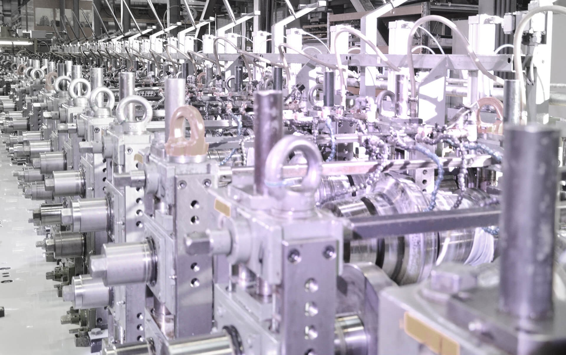 Rollgeformte Profile, Rohre und komplette rollgeformte Profil-/Rohrsysteme